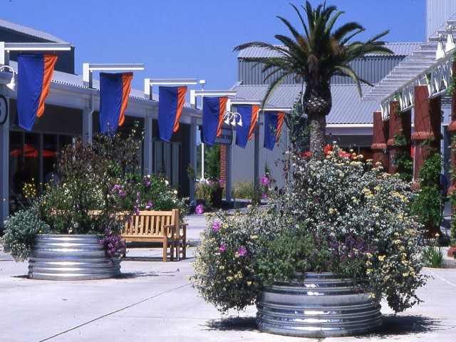 Petaluma Factory Outlet Village